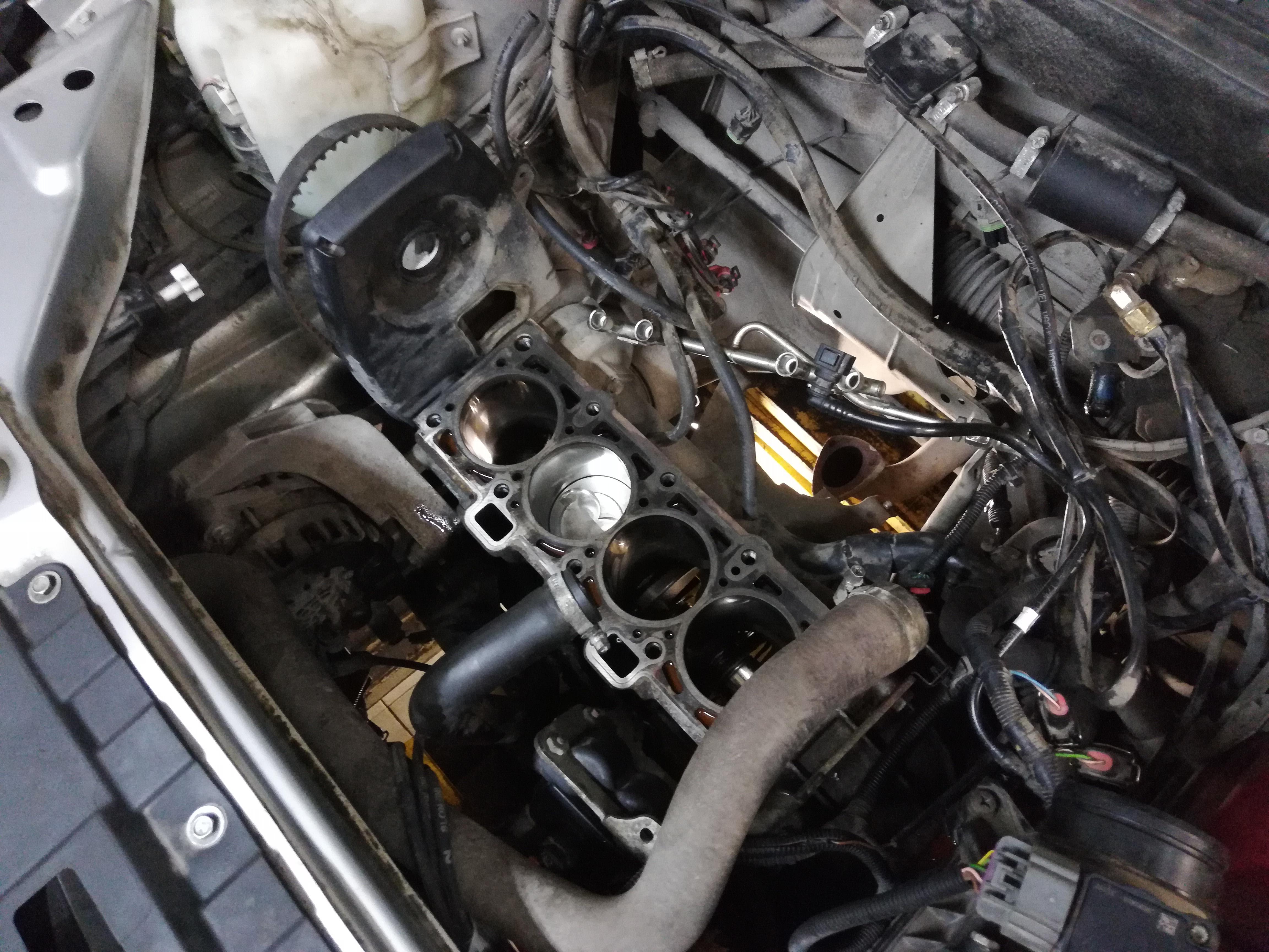замена поршней двигателя